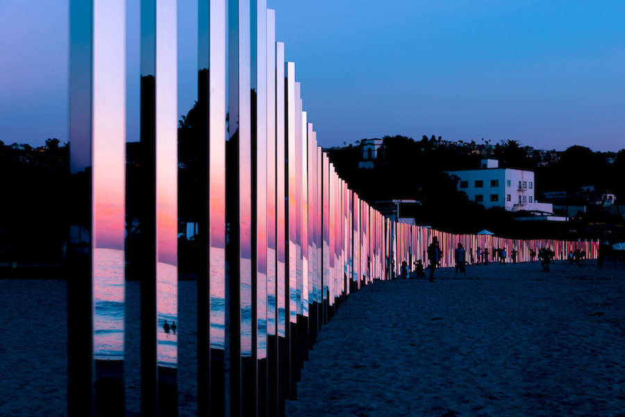 Majestic-Installation-Made-of-250-Mirrors-in-California