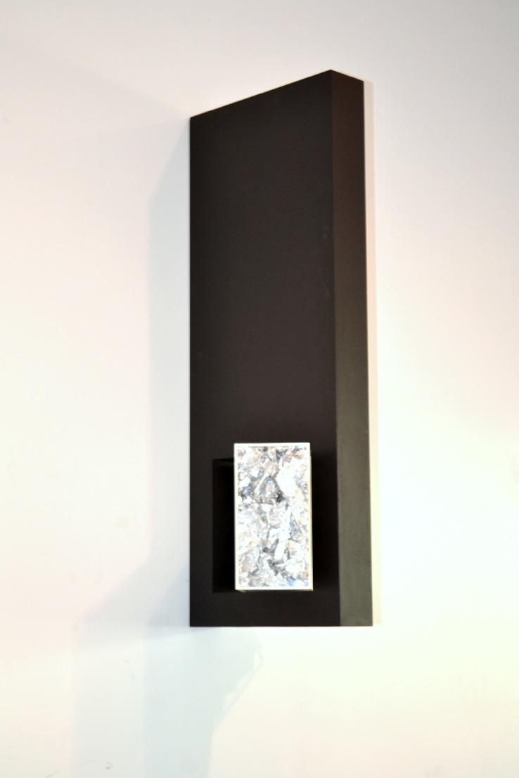 ANM 0059_Ana Mähler_O Concreto e o Incerto 10_objeto de parede_80x15x30cm. Foto Letícia Lau